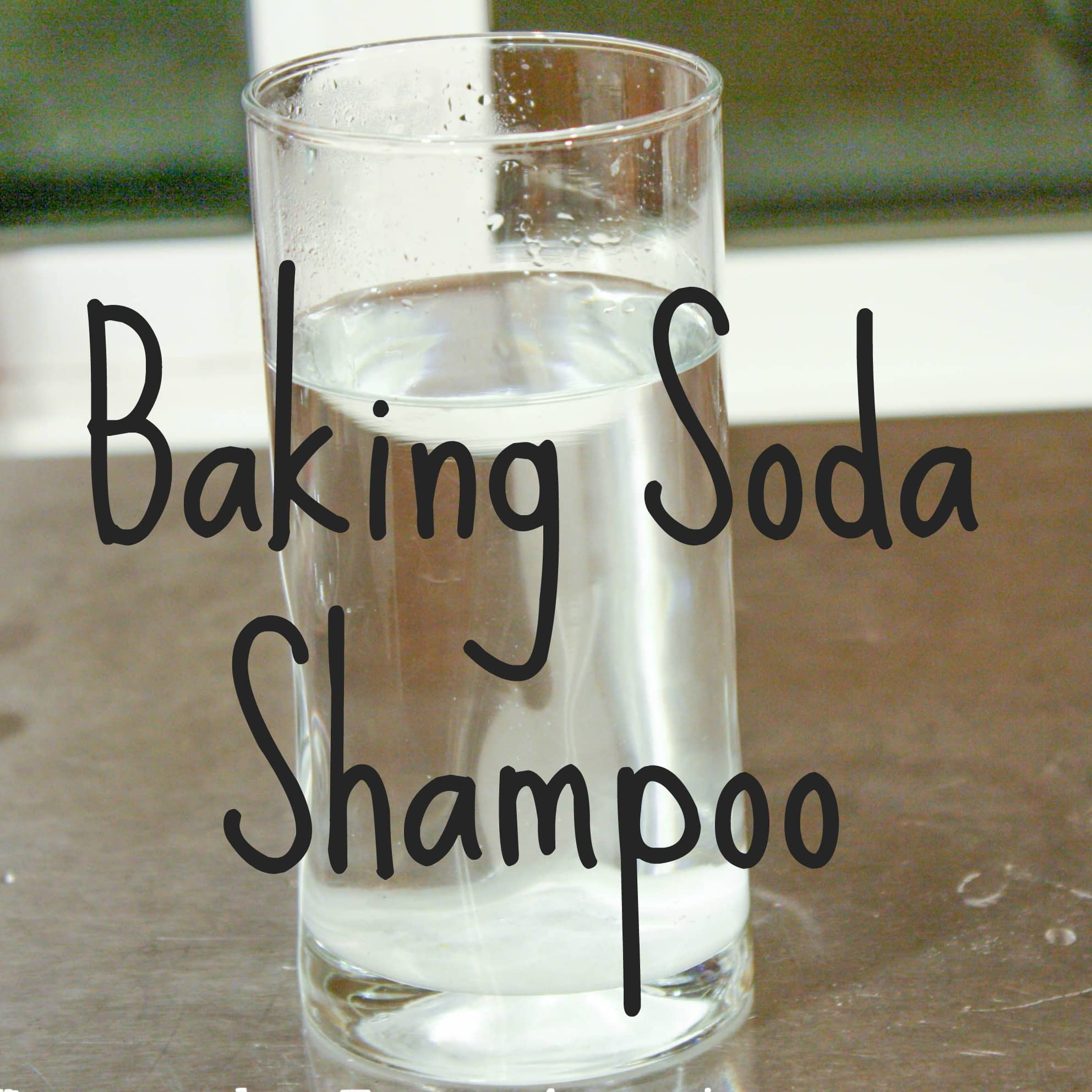 Basic Homemade Baking Soda Shampoo