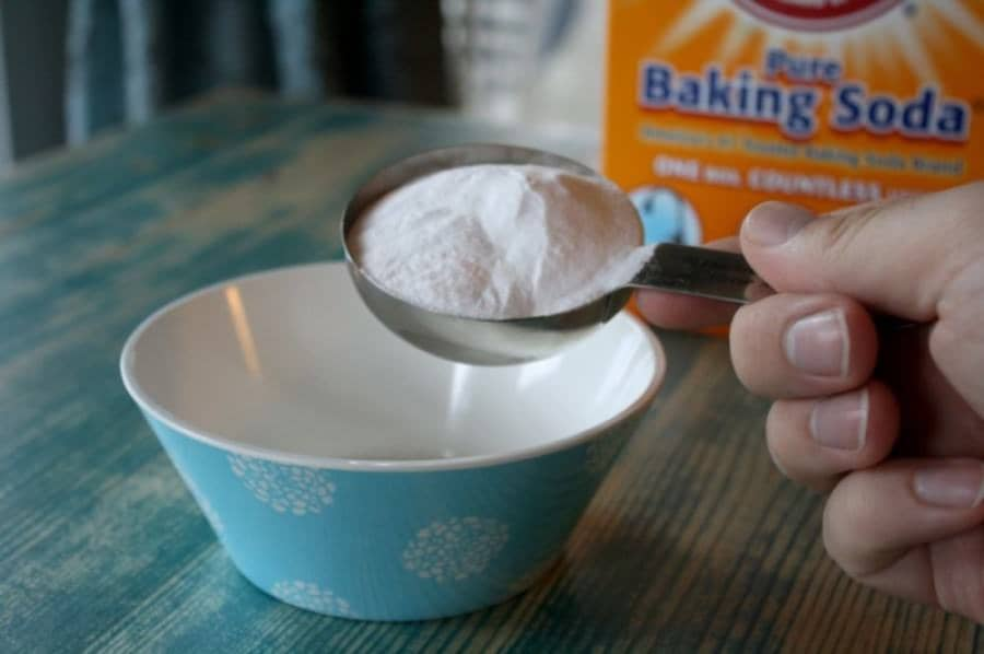 homemade carpet freshener add baking soda