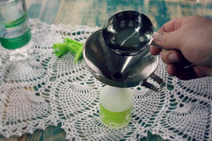 homemade glass cleaner - add vinegar
