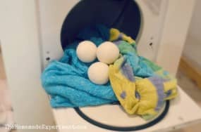 here how you can use wool dryer balls