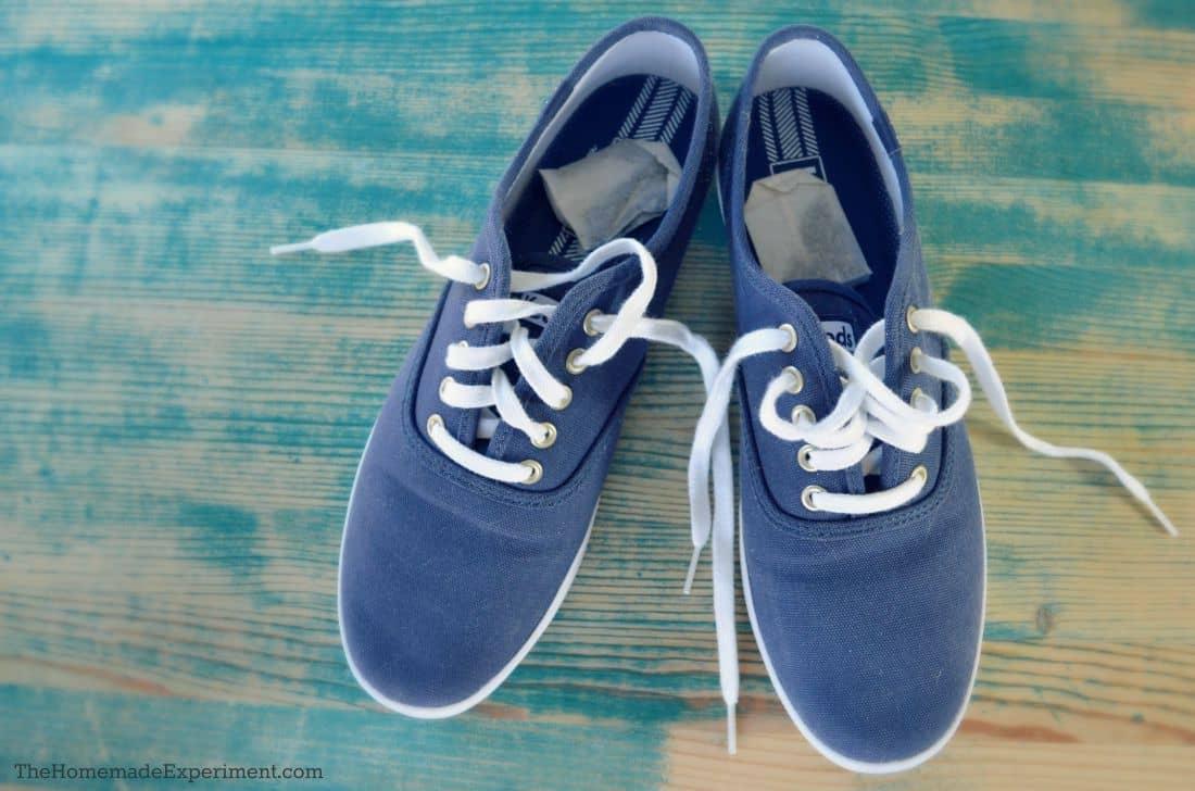 Shoe deodorize with tea bags let sit