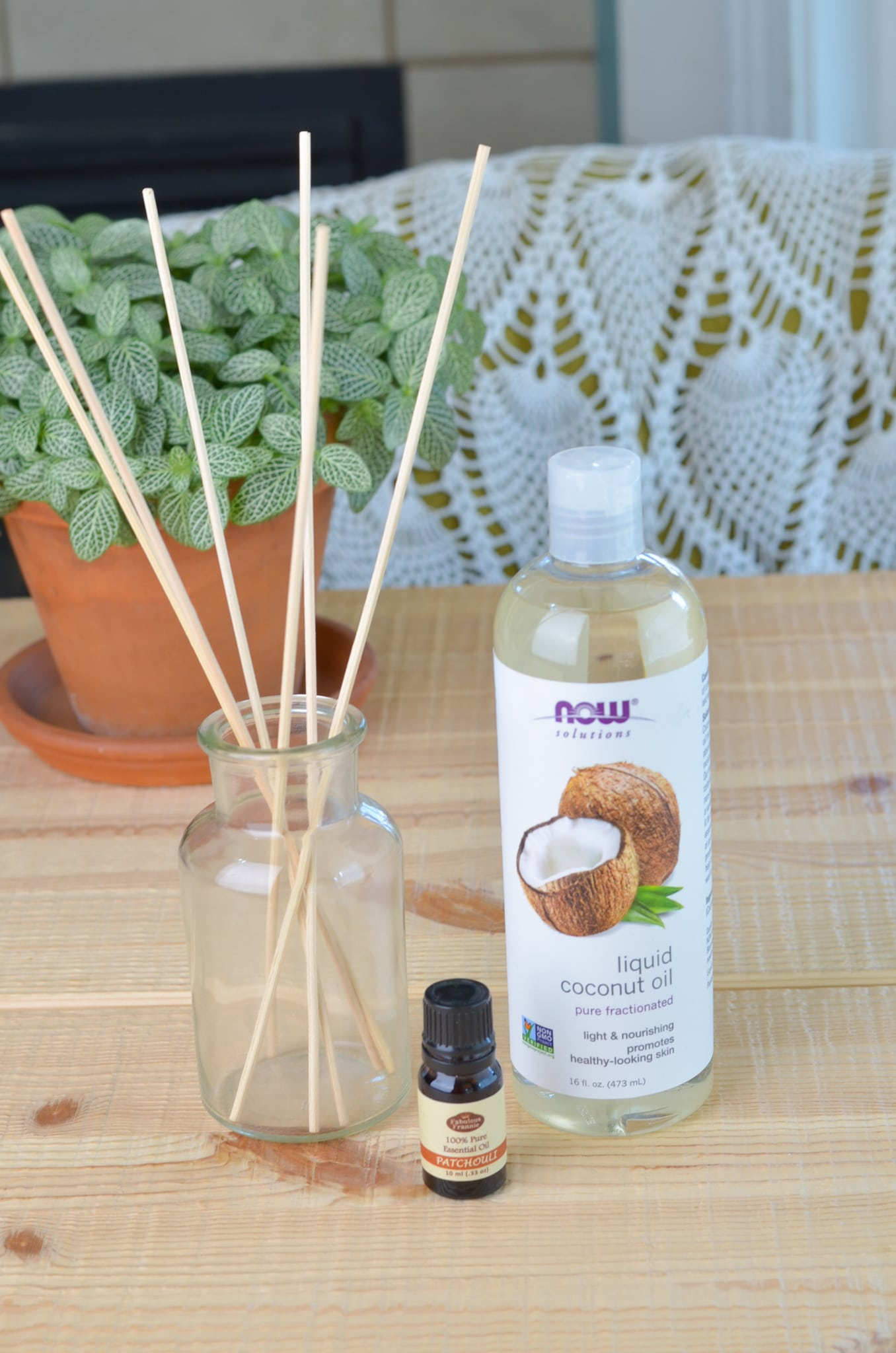 Diy patchouli reed diffuser ingredeitns